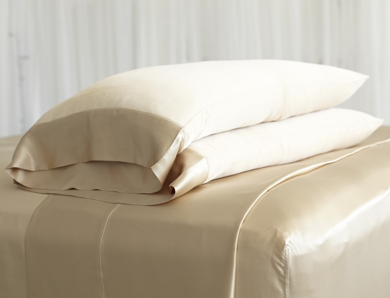 Three Reasons Why A Silk Pillow Case Is Good For Your Hair