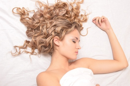 silk pillowcase for hair Silk Pillowcase Benefits: Get Frizzy Hair Under Control silk pillowcase for hair